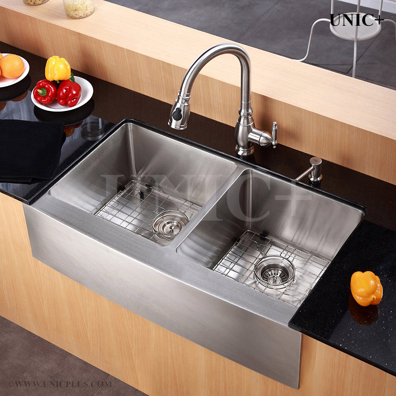 36 Inch Small Radius Stainless Steel Farm Apron Kitchen Sink   KAR3621D In  Vancouver